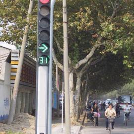 扬州交通标志杆