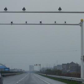 诚通交通信号灯杆生产厂家