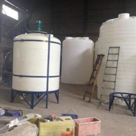 供应耐酸碱储罐厂家 酸碱液体储存罐 PE化工搅拌储罐 规格