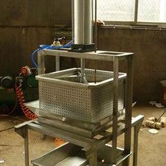 泡菜快速压榨机,立式液压压榨机