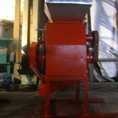 金富民高效大豆挤扁机型号齐全用途广泛