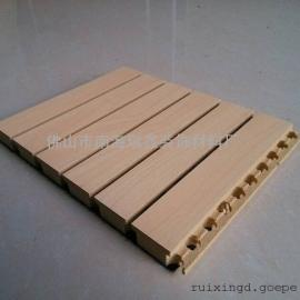 防火槽木吸音板,防火木� 槽孔吸音板定做�S家