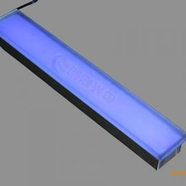 线型地砖灯