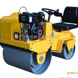 小型座驾式压路机