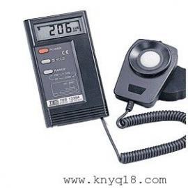 手持式照度计TES-1330A