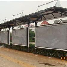 浏阳工业园候车亭开始施工了,不锈钢候车亭厂家送货上门!