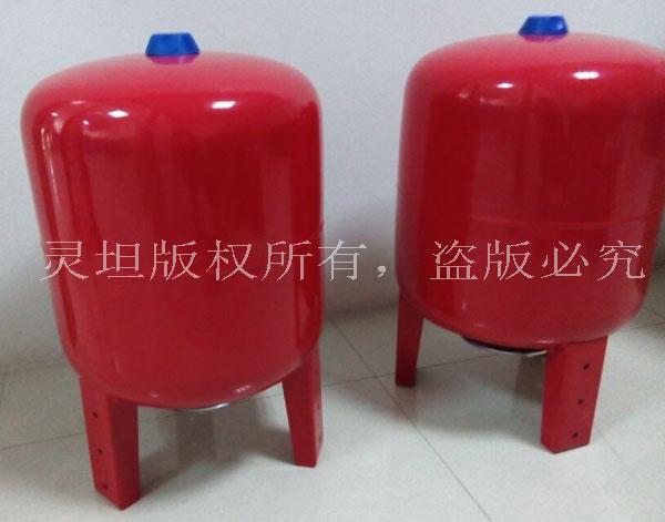 立式隔膜式气压罐图片