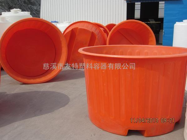 长期出售2吨插车塑料圆桶加工,PE材质滚塑2立方叉车圆桶