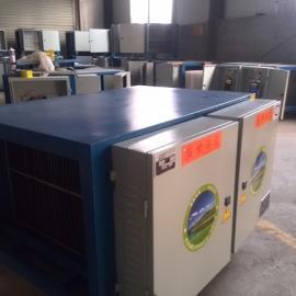 鹤壁油烟净化器净化效果达到目测无烟,环保无烟烧烤车生产厂家