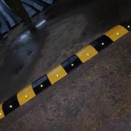 橡胶减速带/原生胶减速带/铸钢减速带1米起批