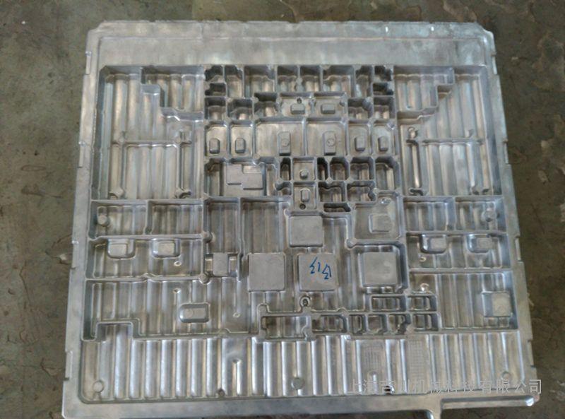 铝铸造件喷砂机