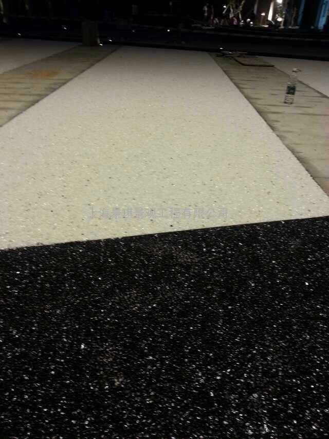 彩色胶粘透水石地坪