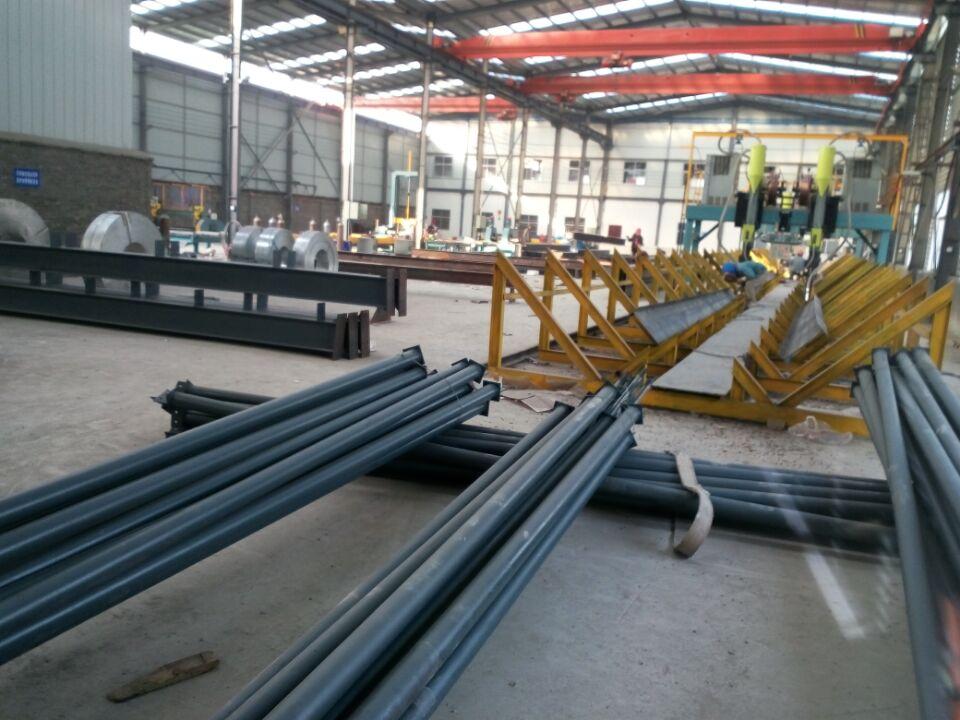 剪板机,c型钢机,钻床等等,主要设计,加工,制作各种大小规模钢结构建筑