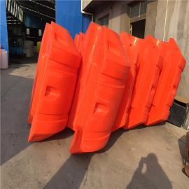 长期出售PE管道浮球,中间夹管塑料浮球,滚塑浮球加工
