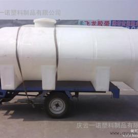 5吨卧式桶运输车载专用塑料桶