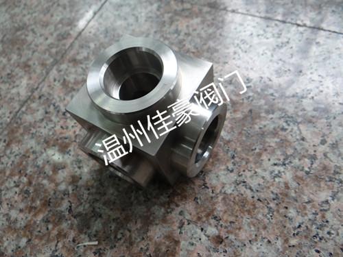 不锈钢对焊接方体弯头 内螺纹液压弯头 承插焊方形弯头图片