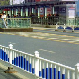 江阴车间护栏仓库隔离栅栏镀锌钢管表面静电喷涂烤漆处理可移动