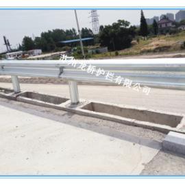 汉中公路波形板防撞护栏/国道省道高速公路防撞护栏/龙桥直销