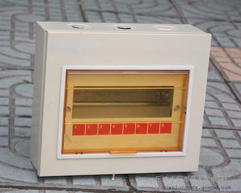 泉龙专业生产小型明装暗装PZ30配电箱-36回路