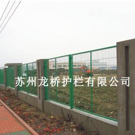 临安小区护栏网 小区围墙铁丝网钢丝钢围墙护栏网龙桥护栏直销
