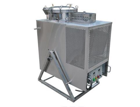 供应青岛烟台威海缁博废溶剂回收机