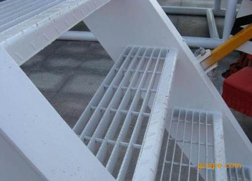 建筑钢结构楼梯踏步板|不锈钢钢板网|合肥楼梯踏步板