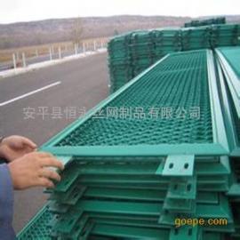 钢板网护栏@绿色喷塑钢板网护栏@高速公路绿色喷塑钢板网护栏