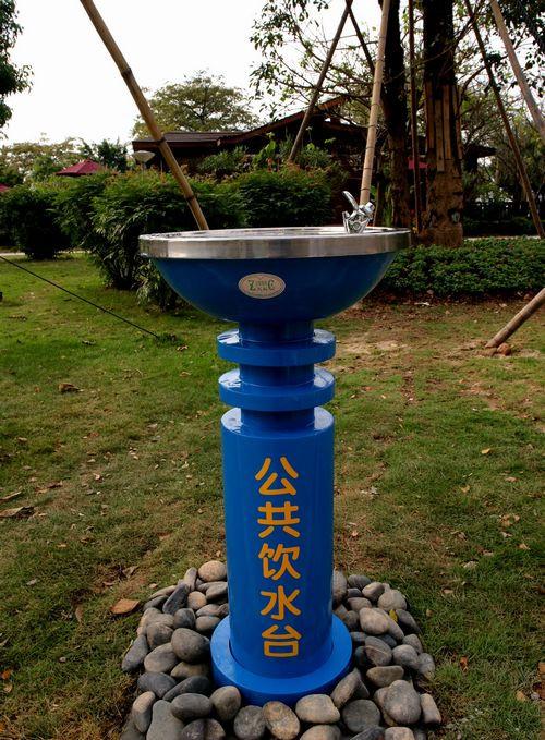 圆柱立式单盆户外饮水台