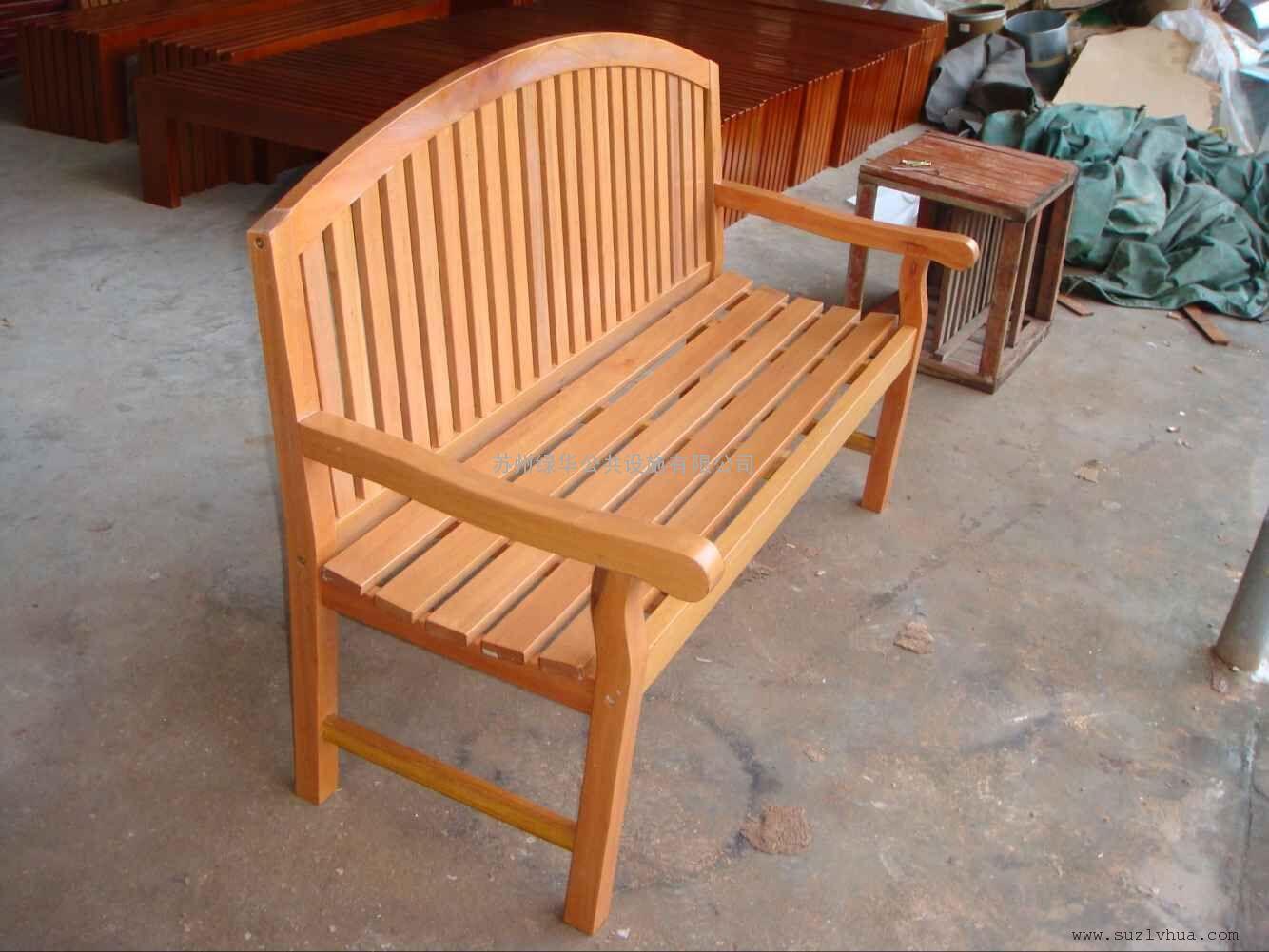 苏州铸铝塑木休闲椅-高档户外休闲椅-铸铝公园椅
