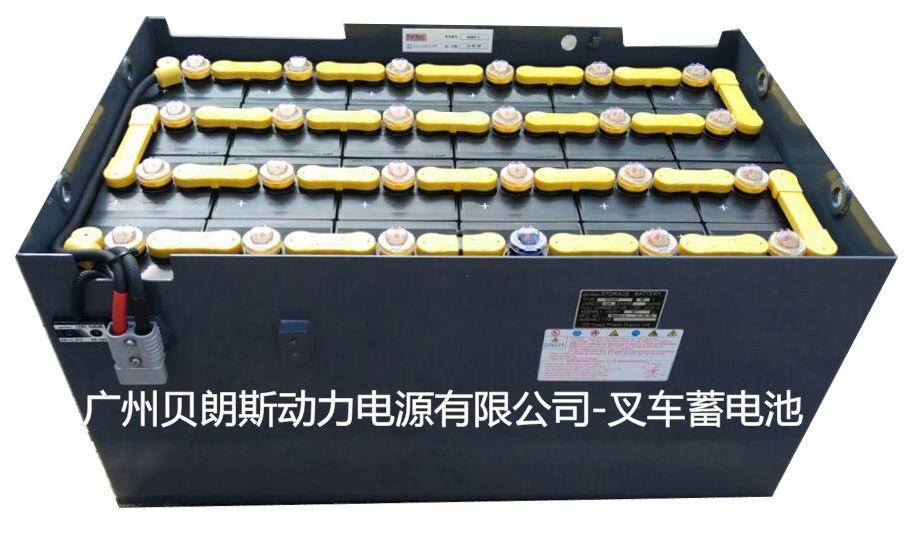 GSYUASA叉车电池是由日本国株式会社杰士汤浅国际的全额投资企业,进行以电动叉车蓄电池为中心的制造及销售,完全采用日本技术配方,管式的铜制技术,具有寿命长、深循环次数高、自放电小、低内阻等特点,无论性能或者主机配套都具备主导性,在动力行业中是姣姣者,其他电池难以撼动其地位,主要配套日系叉车:丰田、小松、TCM、尼桑、三菱等搬运车辆,不仅在日本拥有80%的市场比例,同时在以中国为首的亚洲,欧洲市场均受到高度评价。 目前在中国地区总投资额为2500万美金,位于无锡国家高新技术产业开发区,以世界市场为目标,