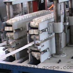 PVC护角条生产设备图片