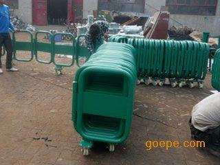 厂家特价供应折叠式活动护栏反光防撞箱式推拉活动护栏图片