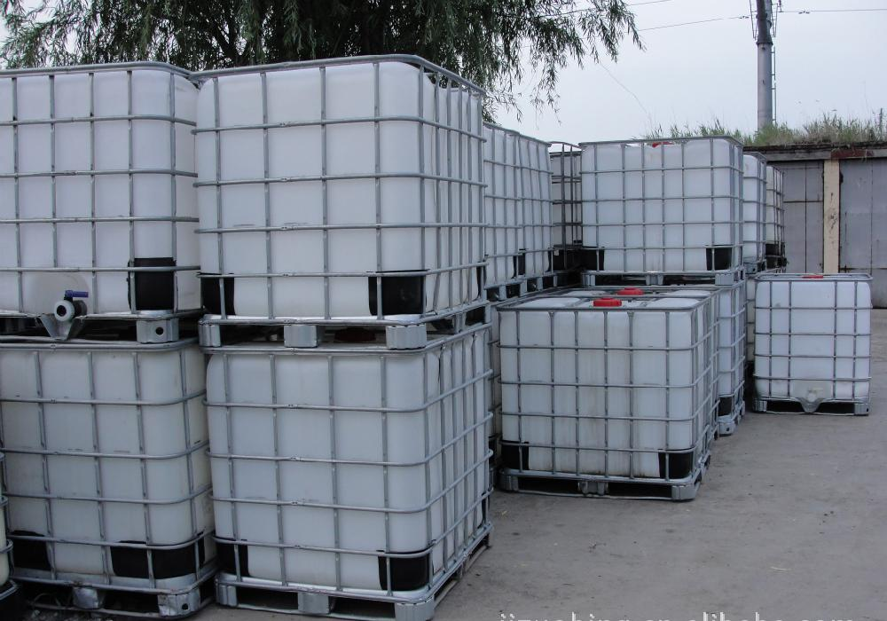 大铁桶塑料吨桶吨罐
