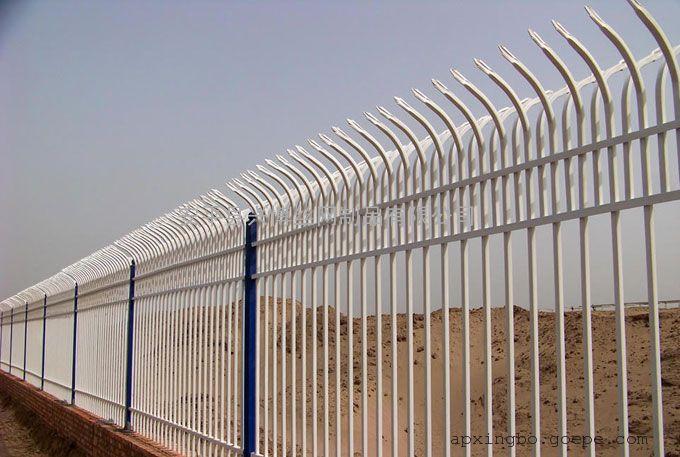 顶部弧形的锌钢围墙栏杆