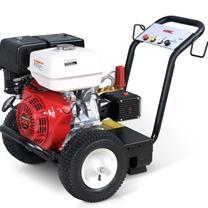 工程机械设备翻新清洗,工程设备除油污热水高压清洗机