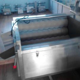 山东螺旋式土豆萝卜清洗去皮机,中草药洗菜机滚动清洗