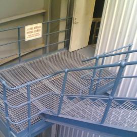 镀锌方孔格栅@楼梯踏步板直接生产厂家@专供山东楼梯防滑板
