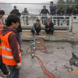混凝土桥面拆除机械替代风镐