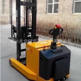 厂家直销前移式电动堆高车1.5吨电动搬运车液压油缸叉车配件现货
