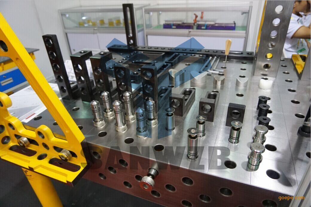 专注于柔性智能焊接工艺装备、柔性组合工装夹具、自动化焊接设备和提高生产效率解决方案的研发和运营,是国内***专业的研发和运营团队之一。公司拥有多年的行业经验、较强的综合技术力量和配套的设备资源,拥有一批实践经验丰富和勤劳拼搏的生产人员、工程技术人员和研发团队;是一家集研发设计、生产制造、销售及服务于一体的现代化民营企业。 主要产品与服务:三维柔性组合工装夹具、焊接工装夹具、非标专用工装、自动焊接专机、气动液压工装、焊接翻转变位机、焊接机器人及焊接工装夹具集成;与安川、松下、OTC、FANUC、瑞典ABB、