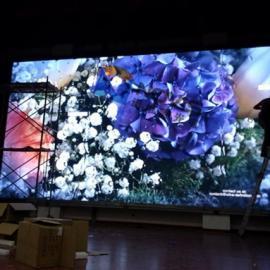 P4led彩色显示屏多少钱,全彩高像素屏厂家