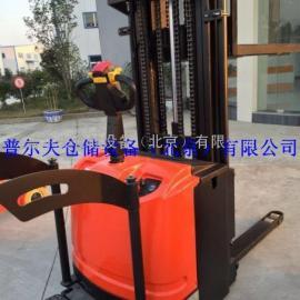 厂家供应全电动堆高车1.5吨 站驾式防护性卧式驱动叉车 2.5M 现货