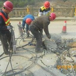 公路、桥面取代破碎锤机械设备液压静爆机械