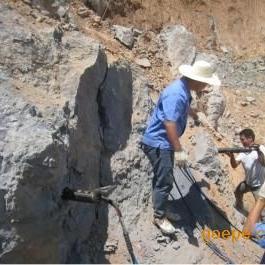 露天大型方解石开采设备取代爆破无声安全高效机械