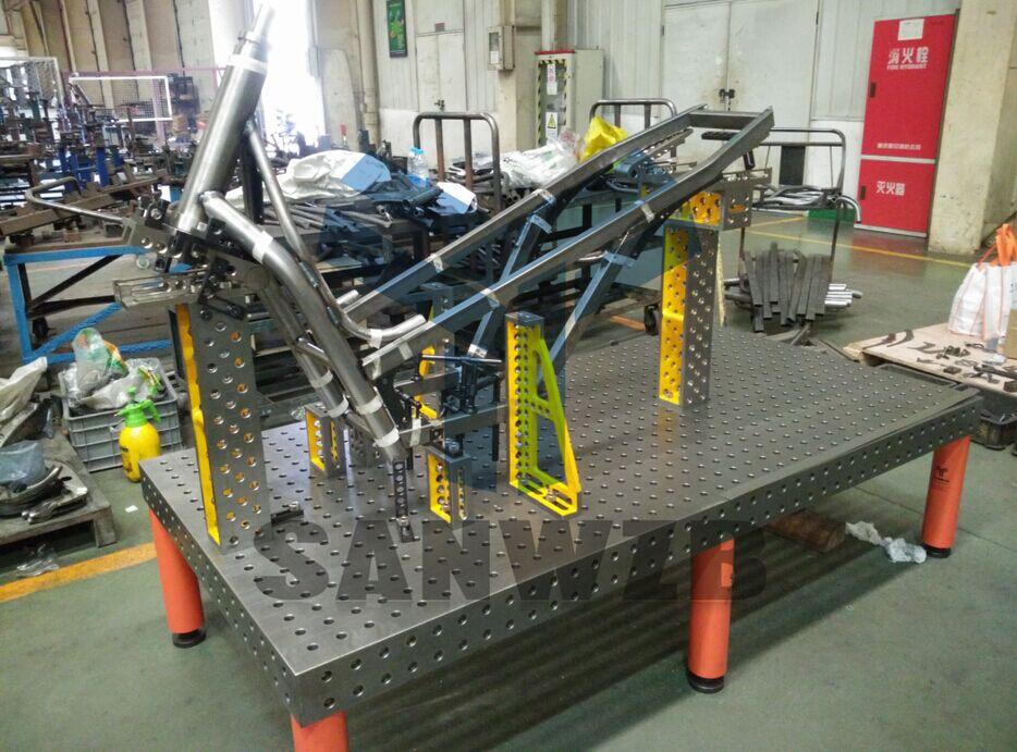 自动化装备有限公司 产品展示 三维柔性组合焊接工装夹具 > 钢结构