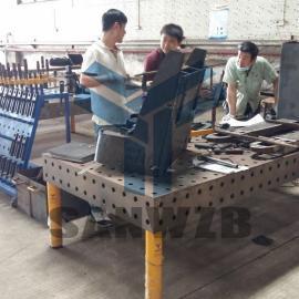 电动叉车柔性焊接工装夹具,燃力叉车柔性焊接工装夹具