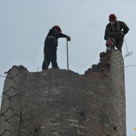周村区高空拆除工程队承揽拆除烟囱水塔施工