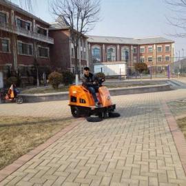 物业小区扫树叶用驾驶式清扫车,艾隆吸尘扫地机