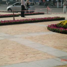 透水混凝土防腐地坪 艺术压膜透水地坪 石子多孔透水地坪