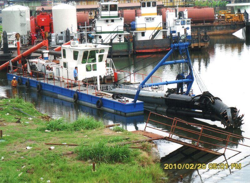 挖泥船、港口挖泥船
